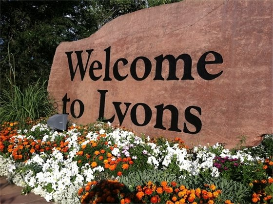 "Town of Lyons East Main Streetscape Project awarded ""Project of the Year"""